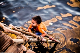 Kep crab market- kid-2